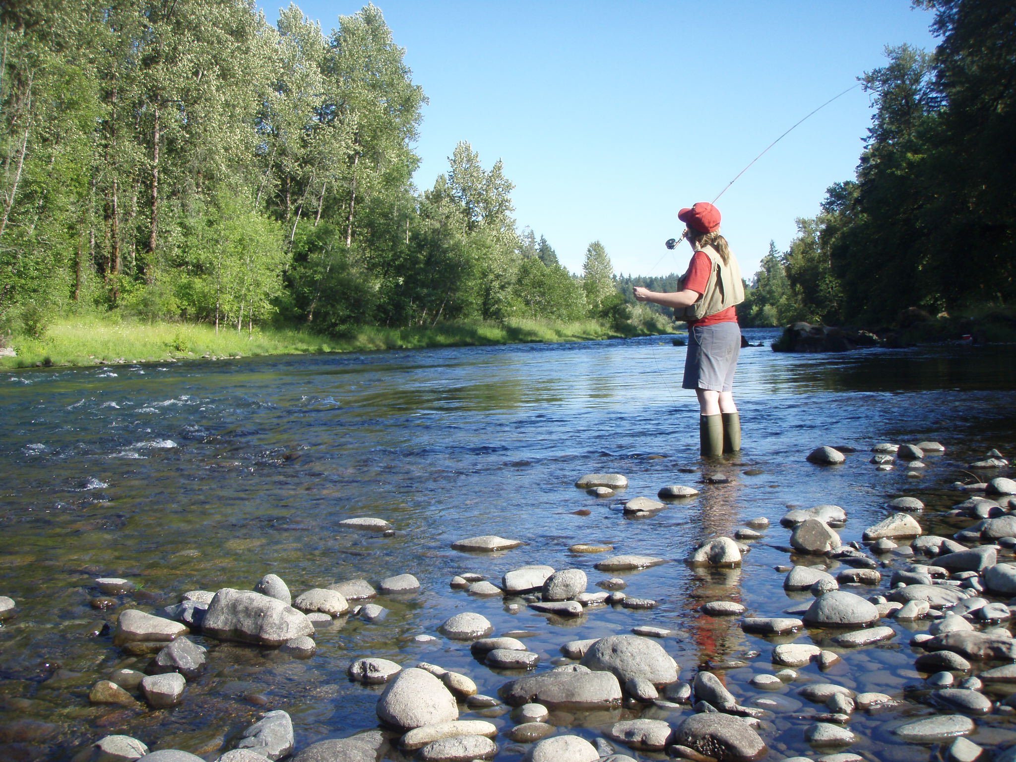 Ribolov na fotkama - Page 5 Fly_fishing_on_the_South_Santiam